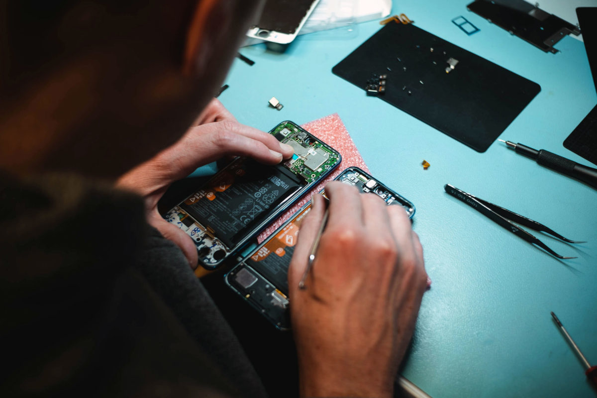 tools needed for iphone repair